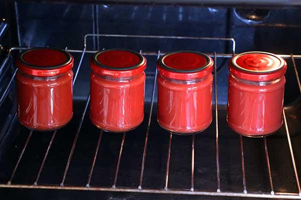 Come fare i vasetti sottovuoto usando il forno